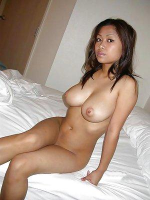 Asian Amateurs Photos