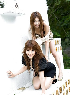 Asian Babes Photos