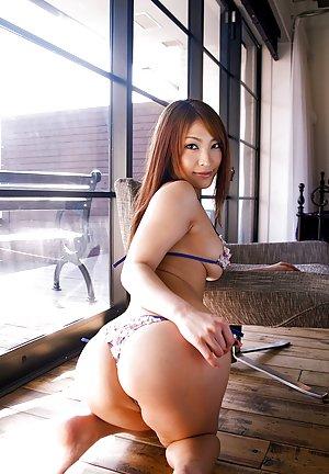 Asian Bikini Photos