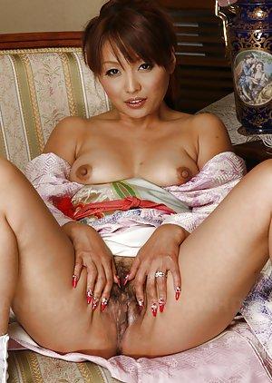 Asian Spreading Pussy Photos